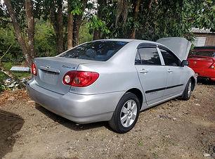 Toyota Corolla 2005.jpg