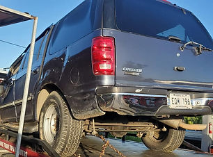 Ford Expedition 2002.jpg