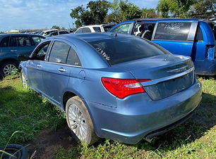 Chrysler 200 2011.jpg
