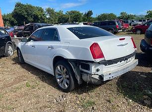 Chrysler 300 2018.jpg