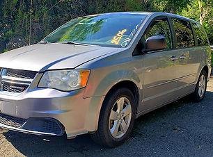 Dodge Caravan 2013.jpg