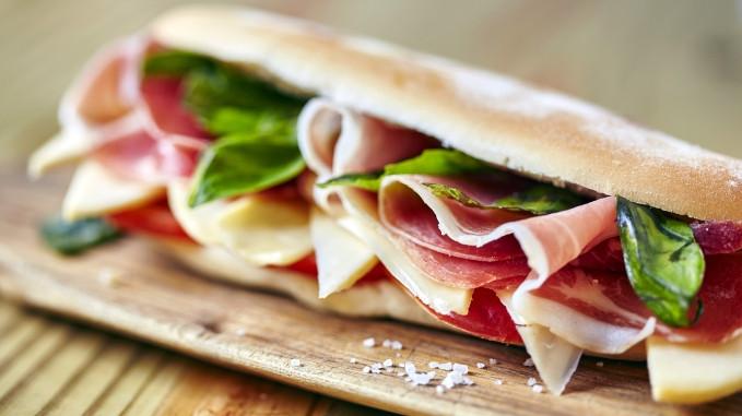 Receta de sandwich de jamón crudo