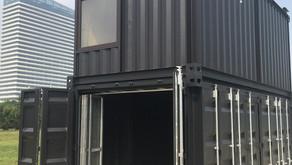 カッコいい2階建てのコンテナガレージ