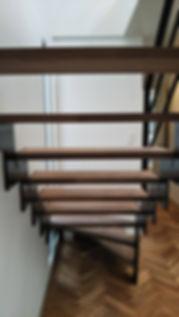 横須賀コンテナハウス階段IDMobile