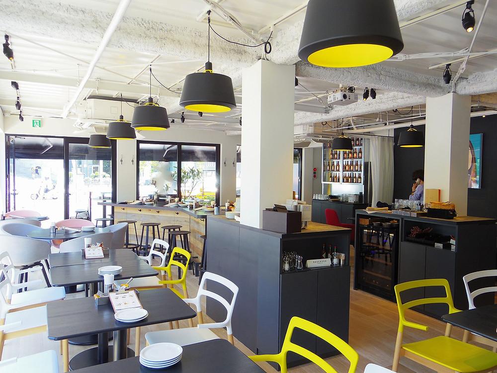 都内で見れるコンテナハウス 虎ノ門ヒルズ前 コンテナカフェ おしゃれなカフェ