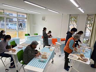 カルチャービレッジなかやま_ガラスアート体験.jpg