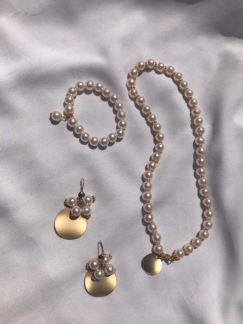Gona Pearls