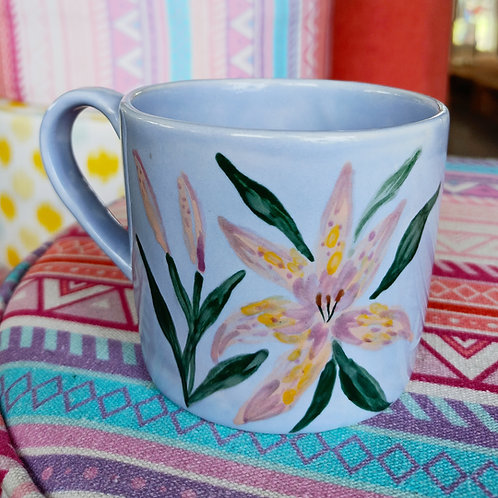 Lily coffee mug medium size