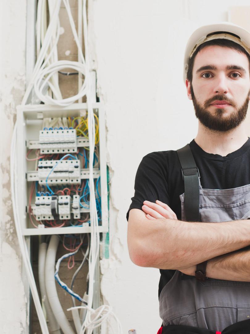 profissional-eletrica-qualificado.jpg
