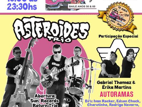Asteroides Trio toca na festa de 15 anos Pin Up's Party