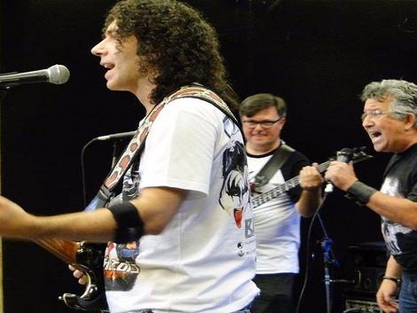 Santa Sede Rock Bar recebe show da banda Medusa Trio & Willie de Oliveira