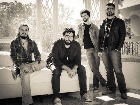 Fábrica Marcatta apresenta show da banda Cosmo Drah
