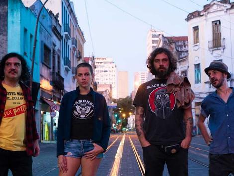 """Carmen Blues lança clipe da visceral """"Cheiro de Gasolina"""""""