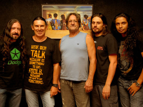 Músicos anunciam saída da veterana banda Casa das Máquinas