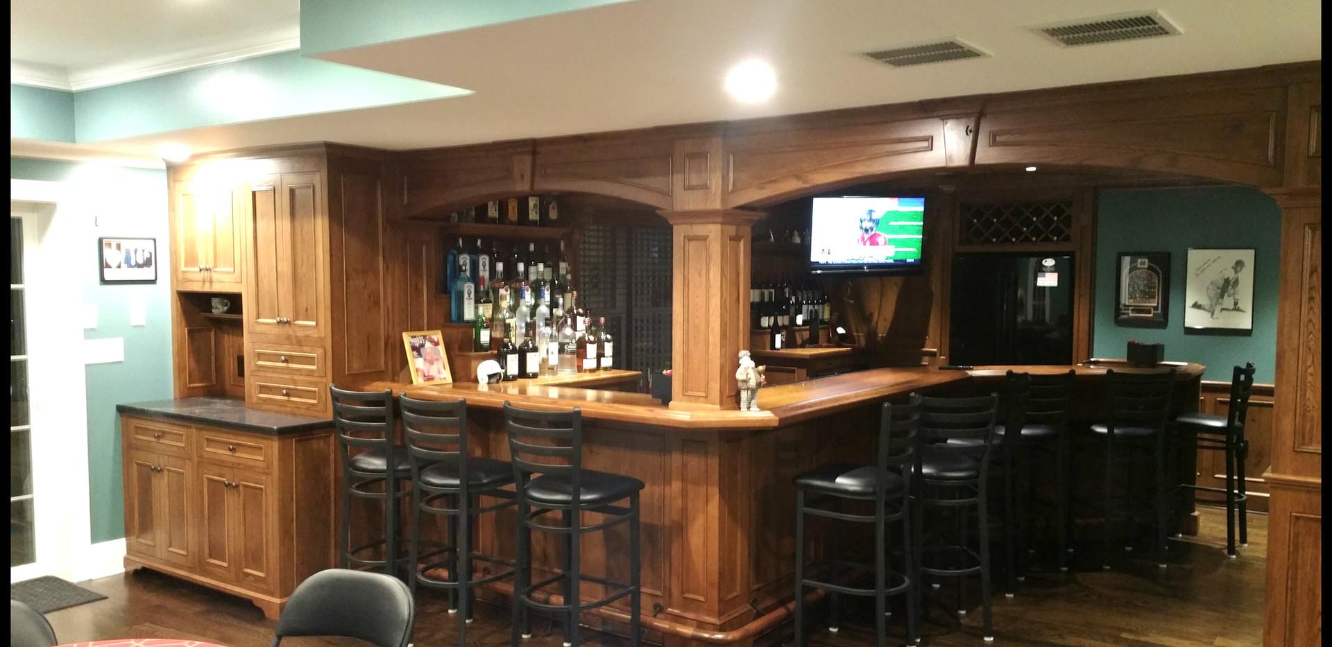 English Pub Bar_Custom.jpg
