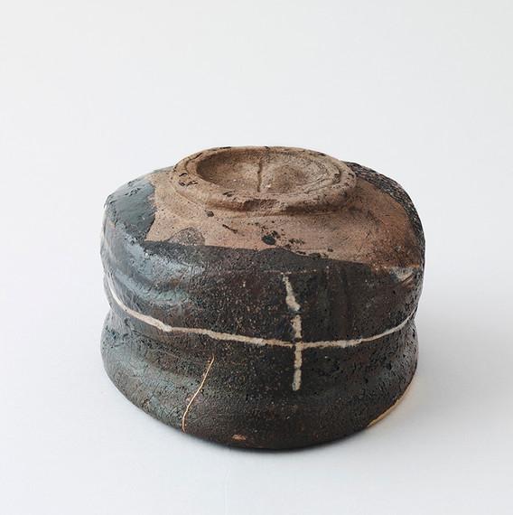 Balck Oribe Teabowl Bottom 1