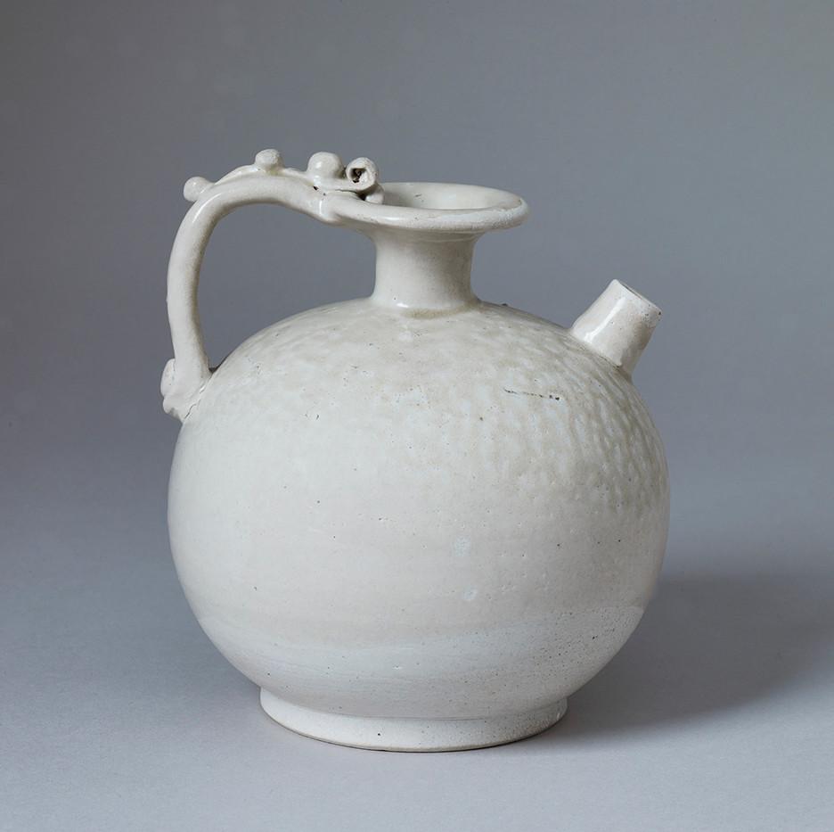 Tang White-ware Ewer Back