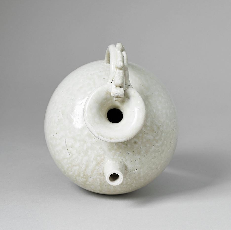 Tang White-ware Ewer Top
