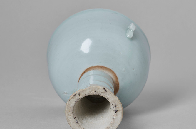 Revolving Stem Cup Bottom