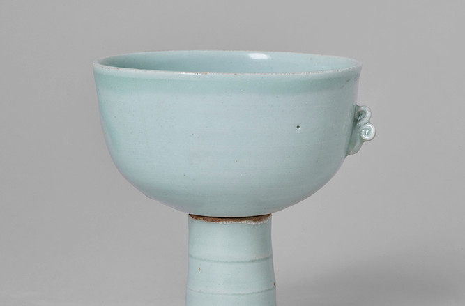 Revolving Stem Cup Front