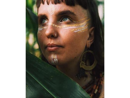 Laura Palicka -  Nomadic artist wandering the earth