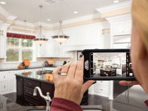 Taking Pictures of Your Home – The Visual Story