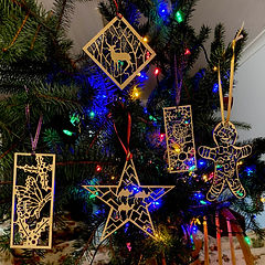decorations on tree.jpg