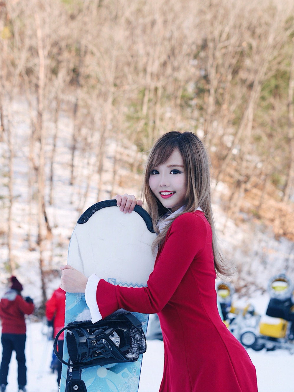 Things to do in Seoul (Winter): Daemyung Vivaldi Ski Park and snowboard/ski lesson with KoreaTravelEasy