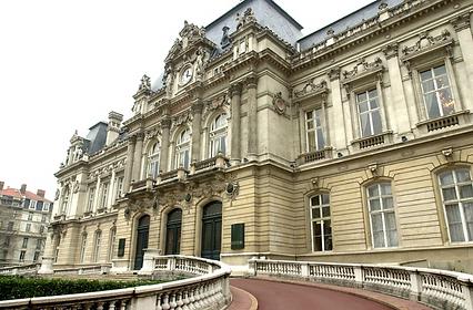 préfecture_devant.PNG