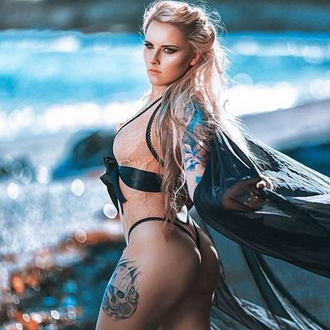 Samantha R