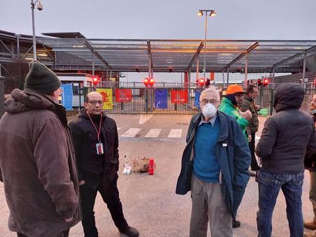 Visite de solidarité au piquet de grève chez TNT - la lutte continue