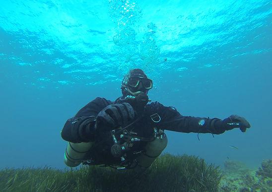 Sidemount sous l'eau.JPG