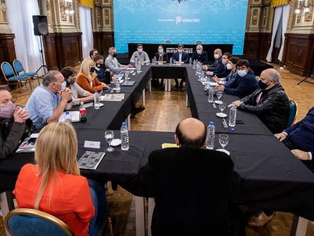 Kicillof se reunió con intendentes e intendentas de la tercera sección electoral