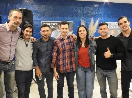 La juventud de ''Avanza Campana'' realizó un seminario de formacion personal