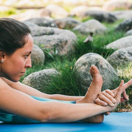 Posturas de Yoga: como e porquê praticar