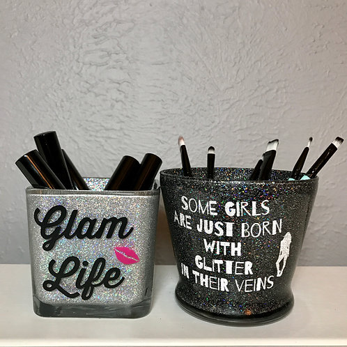 Set of 2 makeup brush holders