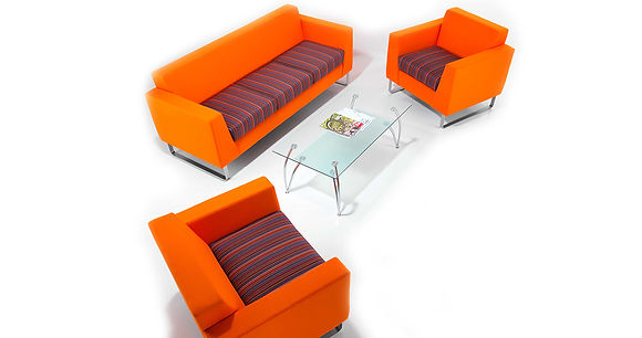 Synergy Solo sofa and armchairs in an office reception setting