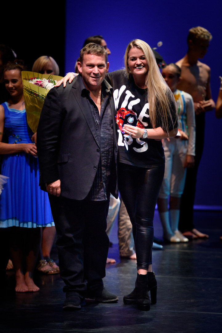 rd place and Entertainment express winner - Hollie Sorelle