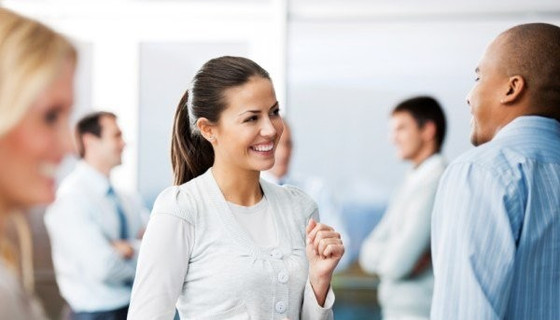How to read body language at a networking event