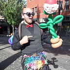 Portad Balloon Artist Saturday Market