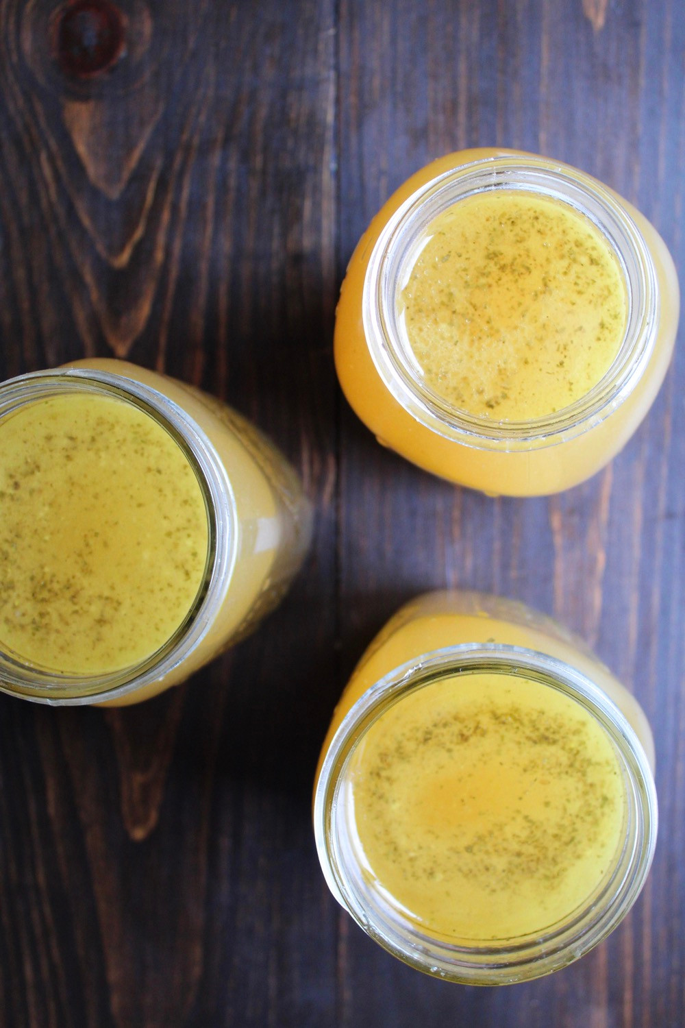 Homemade Chicken Broth | eatlovegarlic.com