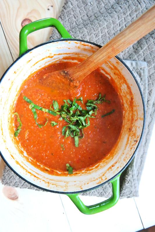 Homemade Spaghetti Sauce | eatlovegarlic.com @eatlovegarlic