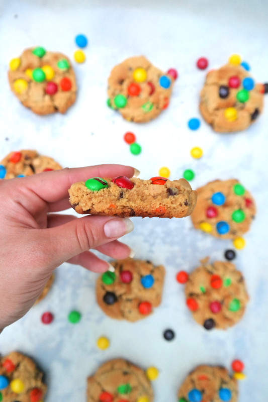 Peanut Butter M&M Puddin' Cookies | eatlovegarlic.com @eatlovegarlic