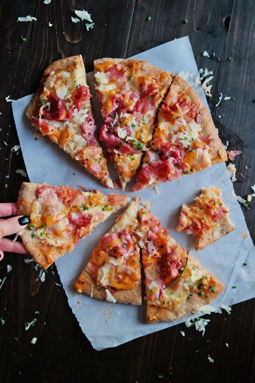 Carly's Reuben Pizza | eatlovegarlic.com @eatlovegarlic