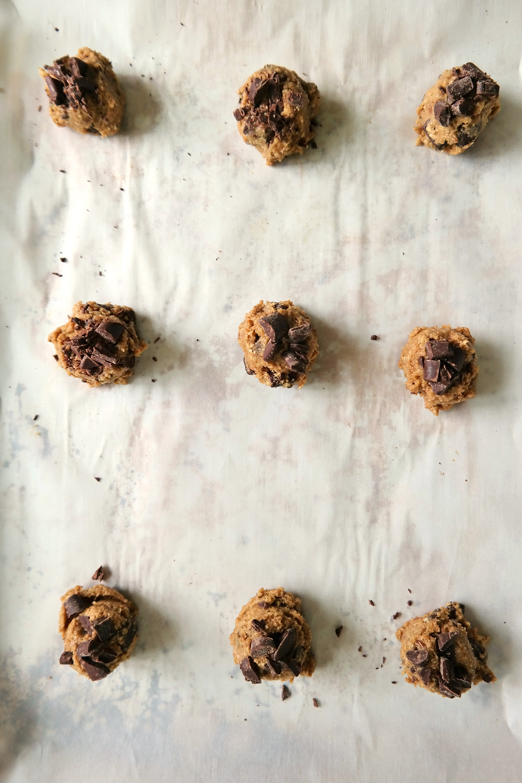 Oaty-Chocolate Chunk-Salted Coffee Cookies {gluten free} | eatlovegarlic.com @eatlovegarlic