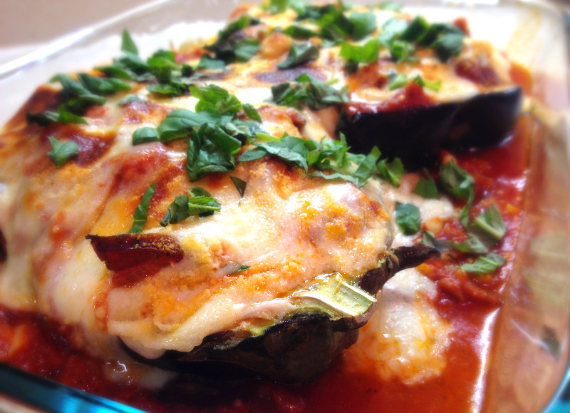 Garlic Eggplant Boats, stuffed with Spicy Chicken Sausage and Marinara | eatlovegarlic.com @eatlovegarlic
