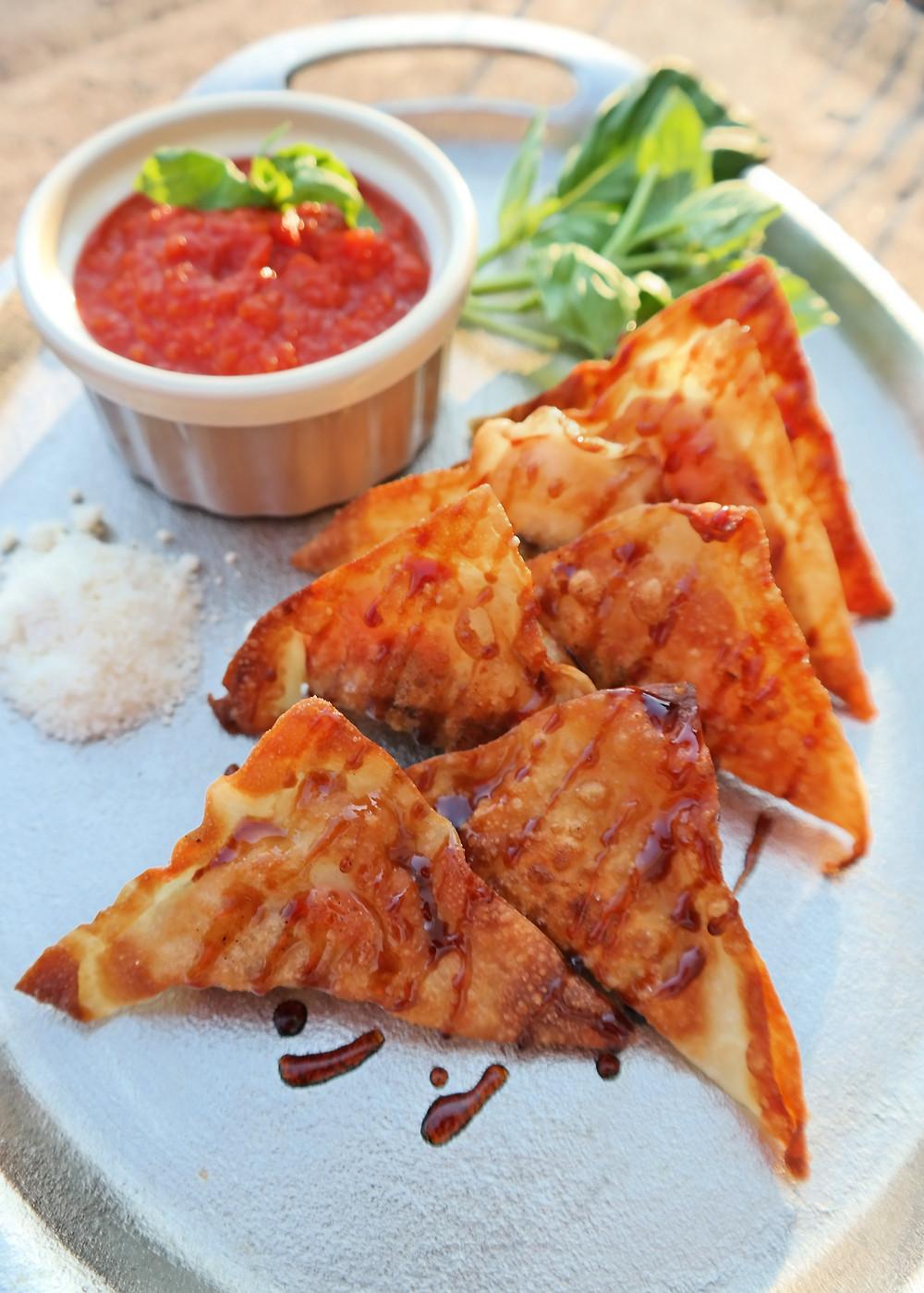 Eggplant Parm Wontons | eatlovegarlic.com @eatlovegarlic
