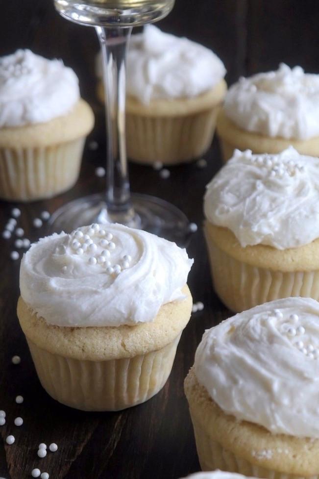 Champagne Cupcakes | eatlovegarlic.com