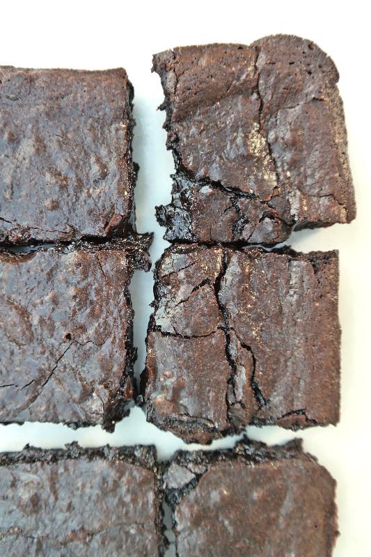 Super Fudgey Coffee Brownies | eatlovegarlic.com @eatlovegarlic