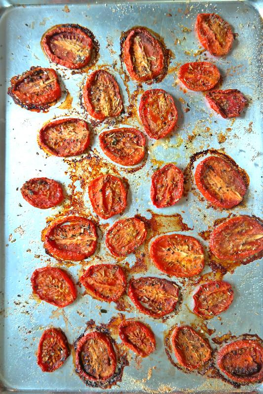 Sun Dried Tomato Pizza | eatlovegarlic.com @eatlovegarlic